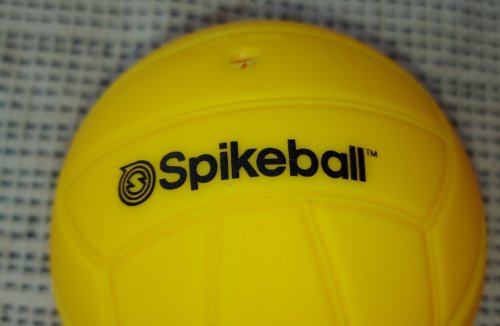 Der Standard Spikeball Spielball