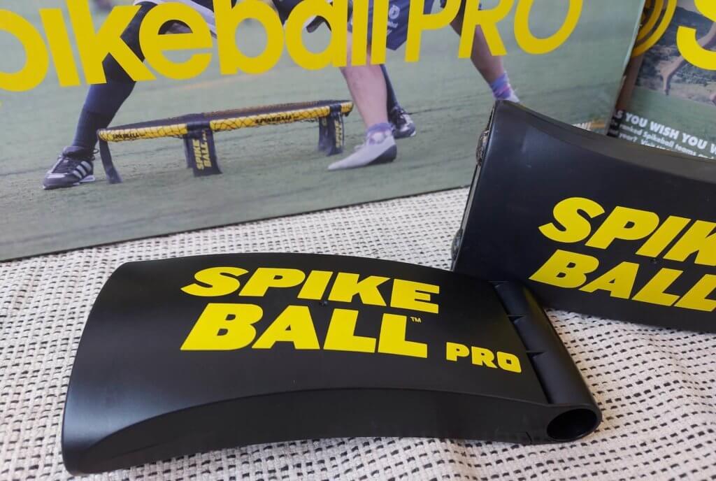 Der Fuß vom Spikeball PRO Set