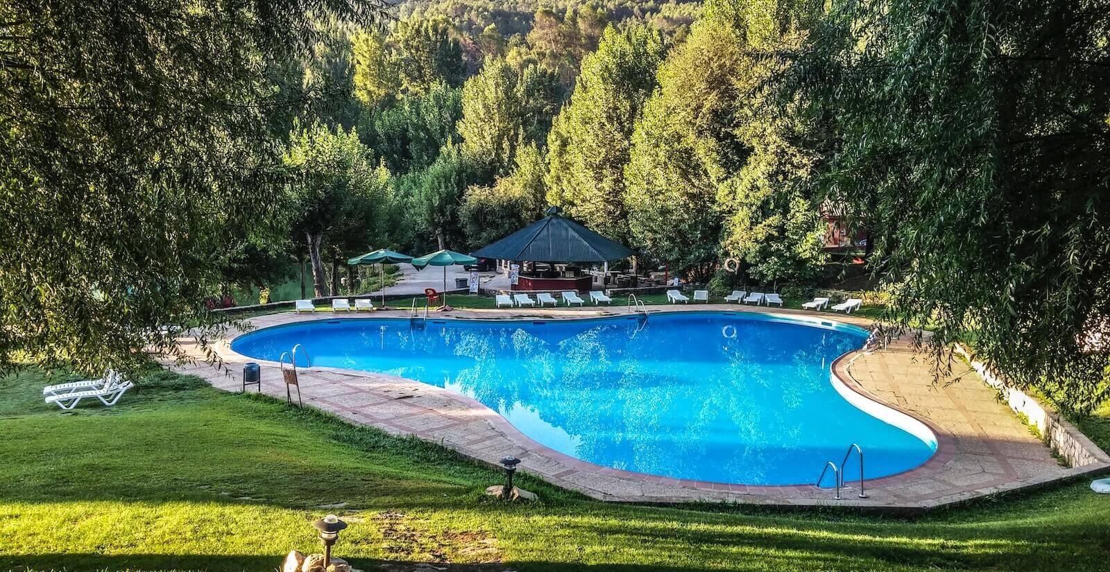 Spikeball im Pool - Wassersport mal anders