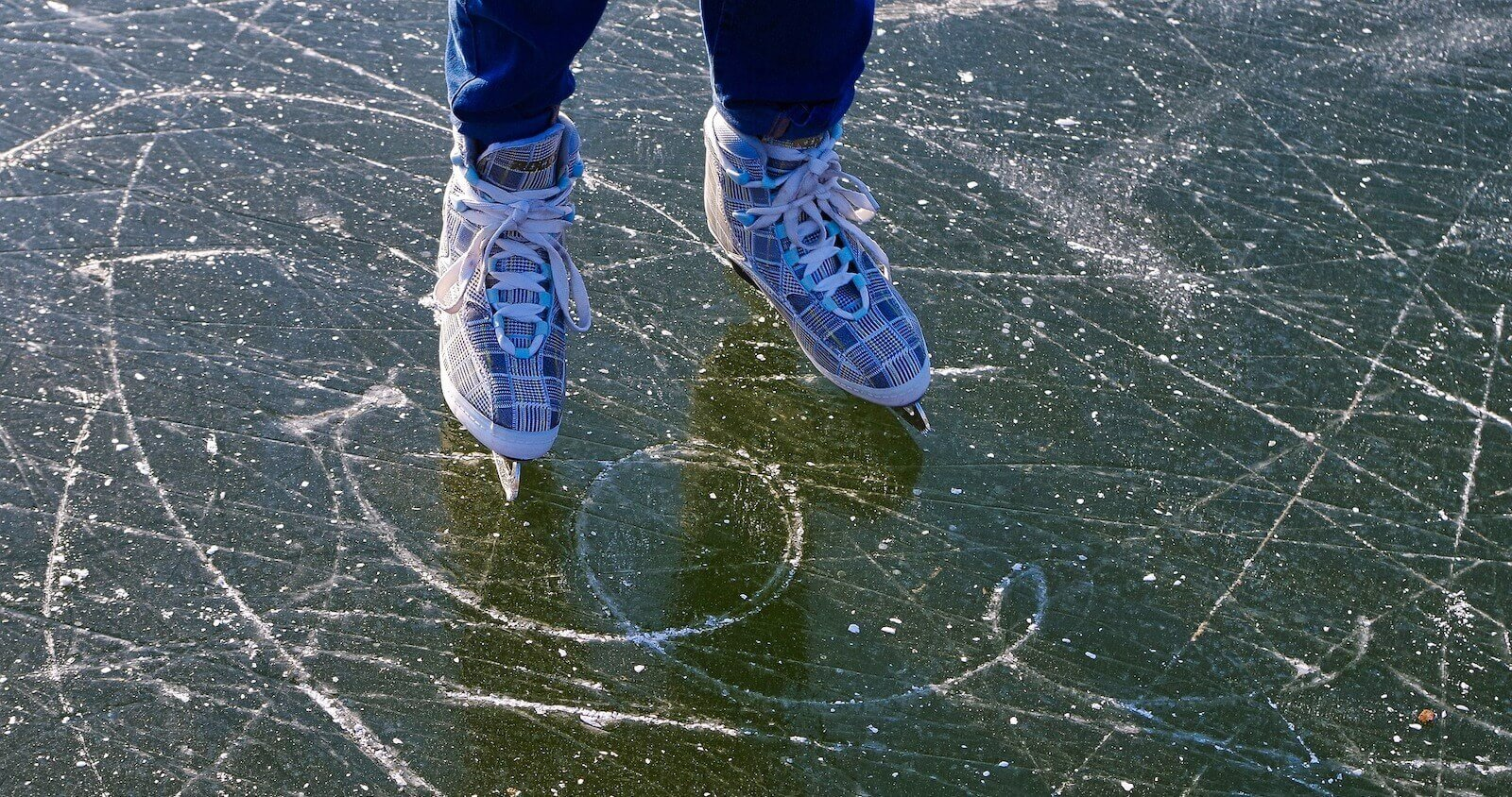 Schlittschuh Spikeball – Spikeball on Ice