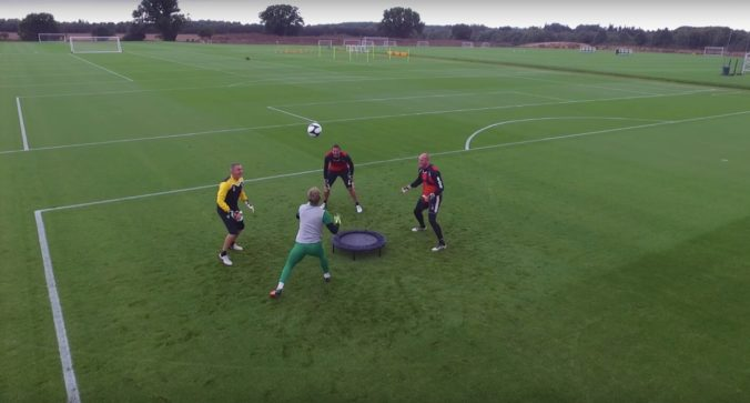 Spikeball Training Drill für Fußballer
