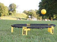 Ball direkt nach der Spikeball Angabe zurück aufs Netz spielen erlaubt? – Regelfrage