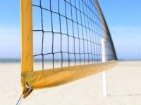 Profi Volleyballer gegen Profi Spikeball Spieler