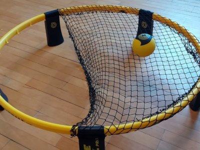 Spikeball Netz spannen – so gehts richtig