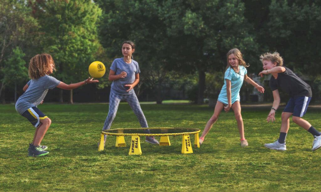 Kinder Spielen mit dem Rookie Set