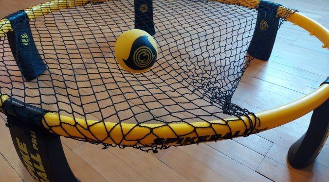 Wie stark wird das Spikeball Netz gespannt